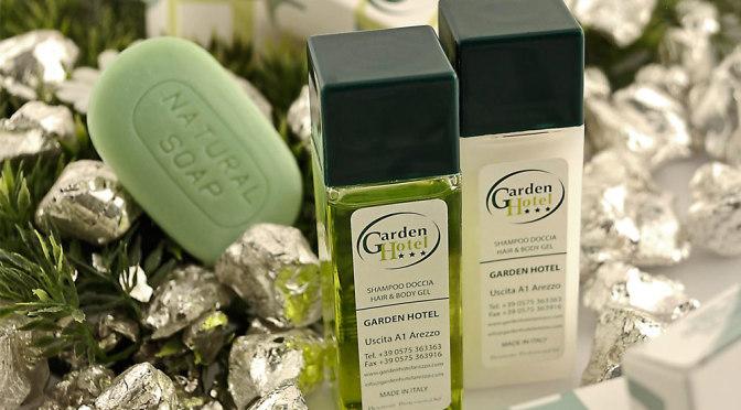 garden-hotel-set-cortesia-personalizzato-detercom-professional-2